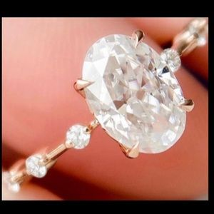 The Mila Ring - 2ct+ Oval Moissanite Ring